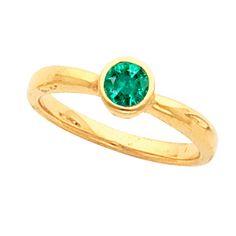 Bezel Set Genuine Emerald Gemstone Fashion Ring. Jewels and Bijoux