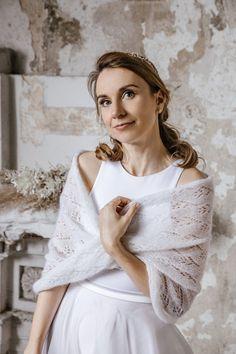 Wedding Cape, Bridal Cape, Wedding Shawl, Ivory Wedding, Wedding Sweater, Knit Fashion, Women's Fashion, White Shawl, Bridal Cover Up