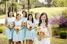 Bridemaids in Short Turquoise Color Dresses