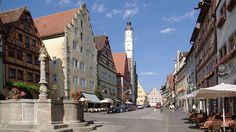 Traveling by car is the easiest way to reach the wall-encircled medieval town Rothenburg ob der Tauber in Bavaria. Driving on German autobahns is fast and mostly free. Driving is the easiest way to travel to the romantic town Rothenburg ob der Tauber in Franken (Franconia) in the northern parts of Bavaria in central Germany. …