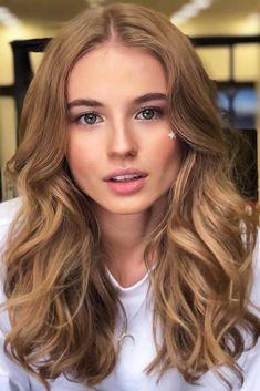 Blonde Hair With Highlights, Balayage Hair Blonde, Brown Blonde Hair, Brunette Hair, Curly Light Brown Hair, Medium Blonde Hair Color, Dark Golden Blonde, Warm Brown Hair, Light Brunette