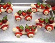 Healthy Party Food - 25 Creative Ideas for Kids Parties Banana Strawberry Carts - Creative Fruit Snacks, Healthy Party Food Cute Snacks, Fruit Snacks, Cute Food, Healthy Snacks, Yummy Food, Healthy Recipes, Fun Fruit, Healthy Kids, Fruit Dessert