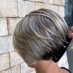 Short Stacked Bob Haircuts, Very Short Bob Hairstyles, Stacked Bob Hairstyles, Thin Hair Haircuts, Short Hairstyles With Highlights, Short Pixie Bob, Short Stacked Bobs, Short Bobs, Hairstyles Haircuts