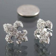 Oh meee oh my.... Beautiful Fluer de lis Diamond earrings!!!