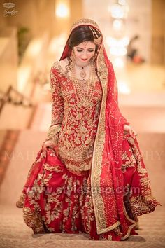 Pakistani Bridal Dresses 2018 - Latest Mehndi, Barat & Walima Dresses for Bride on Wedding Day - Conventional dressing for brides includes Gharara and Lehen Pakistani Bridal Dresses Online, Bridal Dresses 2018, Pakistani Wedding Outfits, Indian Bridal Outfits, Pakistani Bridal Wear, Pakistani Wedding Dresses, Bridal Lehenga, Party Dresses, Desi Bride