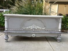 STUNNING!! Hand Painted SHABBY CHIC Lane Hope chest. Distressed Antiiqued Paris Gray
