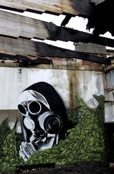Smug is a Glasgow based artist specializing in photo-realistic graffiti.