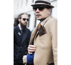 Street looks à la Fashion Week homme de Londres http://www.vogue.fr/vogue-hommes/fashion-week/diaporama/fwah2015-street-looks-a-la-fashion-week-homme-automne-hiver-2015-2016-de-londres/21841/image/1130962#!3