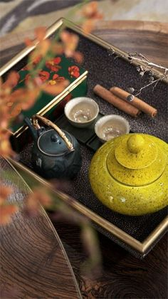 The Red Tea Detox is a new rapid weight loss system that can help you lose several pounds of pure body fat in just 14 days! It involves drinking a special African blend of red tea to help you lose weight fast! Chinese Tea Set, Chinese Style, Tea Culture, Asian Decor, Tea Art, Tea Ceremony, Detox Tea, Afternoon Tea, Matcha