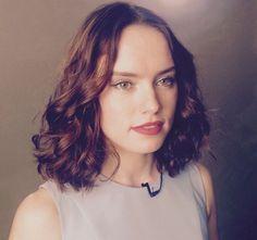 Daisy Ridley - HER HAIR!!