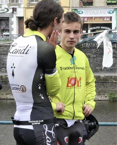 I love cycling and cycling gear. I also love hot guys in cycling gear.this site is dedicated to those guys. If you want any of the photos removed, let me know and I. Cycling Lycra, Women's Cycling Jersey, Cycling Jerseys, Triathlon, Men In Tight Pants, Fab Boys, Lycra Men, Biker Boys, Sport Tights
