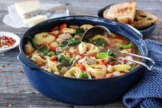 Mozzarella, Ethnic Recipes, Food, Spinach, Meals, Yemek, Eten