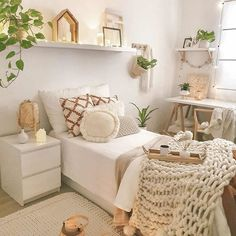 Hiii mom's inspirasi siang ini dari Kamarnya Love it . Teen Bedroom Designs, Room Ideas Bedroom, Teen Room Decor, Small Room Bedroom, Home Decor Bedroom, Small Girls Bedrooms, Lego Bedroom, Girl Bedrooms, Home Room Design