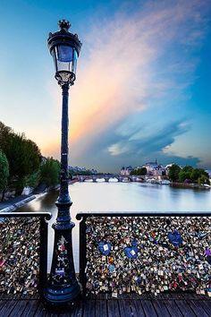 audreylovesparis:  Paris love locks