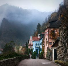 Three towns that look like they were ripped from a Walt Disney fairy tale. >> I'd love to see these places during the Christmas season!