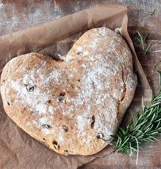 Sif Orellana's opskrift på hjertebrød bagt med oliven, rosmarin og kærlighed - Boligliv