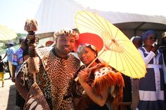 Pretty Peach & Traditional Zulu Weddings by Vita Bella Photography {Slindile & Siphile} | SouthBound Bride