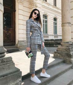 Veste carreaux femme   incontournable pour l automne-hiver 2018-2019 6416aceb4c0