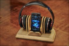 "The ""Sound Stand"" wooden combo docking stand for headphones and iPod, iPhone or MP3 player. $55.00, via Etsy."