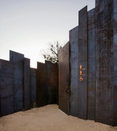 Located on edge of Colorado River in Lady Bird Lake Hike and Bike Trail is a unique restroom designed by Miró Rivera Architects. Landscape Walls, Landscape Design, Austin, Parque Linear, Rivera, Weathering Steel, Restroom Design, Public Bathrooms, Rustic Industrial