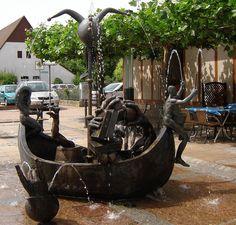 The Narrenschiff/Ship of Fools fountain by Michael Schwarze at Neuenburg am Rhein, Germany. (Photo: Bianca Flier)