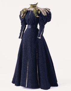 1895 Dramatic Day Dress, Kyoto Costume Museum