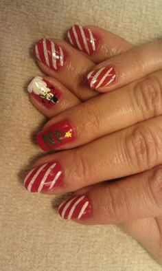 Candy Cane stripes by brenbrat from Nail Art Gallery