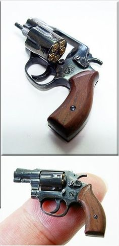 1:6 scale handmade miniature Smith & Wesson M36 Chief's Special made in .925 silver with blued finish!