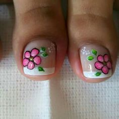 Uñas Flower Nail Designs, Pedicure Designs, Pedicure Nail Art, Toe Nail Designs, Toe Nail Art, French Nails, Gorgeous Nails, Pretty Nails, Hair And Nails