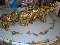 tecnica de pintura en elefante hindu - Buscar con Google Elefante Hindu, Elephant Love, Elephant Stuff, Elephants Never Forget, Ceramic Decor, Interior And Exterior, Ceramics, Inspiration, Google