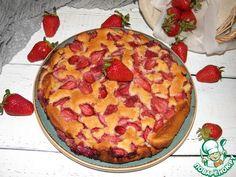 Сметанный пирог с клубникой.