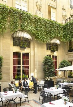 The relaxing ambiance at the Patio of the Hôtel de Crillon ~ Paris, France