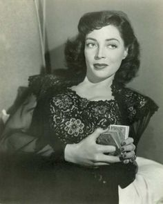 "Marie Windsor -""The Narrow Margin"" - Classic Film Noir Hollywood Stars, Classic Hollywood, Hollywood Divas, Classic Film Noir, Classic Movies, Old Movies, Vintage Movies, Vintage Hair, Female Actresses"