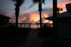 affordable weekender at childhood vacation spot New Smyrna Beach. $128/nt