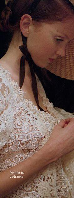 Romantic Flowers, Romantic Lace, Trendy Fashion, Boho Fashion, Victoria Magazine, Victorian Cottage, Bad Person, Pearl Cream, Falling Leaves