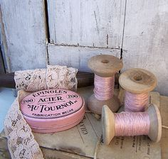 Pretty and rustic Vintage Sewing Notions, Vintage Sewing Machines, Spool Crafts, Wooden Spools, My Sewing Room, Vintage Crafts, Vintage Decor, Fabric Ribbon, Everything Pink