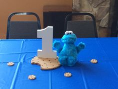 First birthday centerpieces - Cookie Monster Monster Birthday Parties, Elmo Party, Bday Girl, Baby First Birthday, 1st Boy Birthday, Baby Party, Monster Centerpieces, Birthday Centerpieces, Monster Invitations