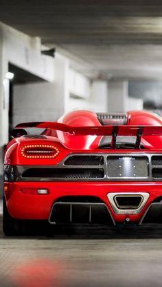 Red Koenigsegg Agera R!