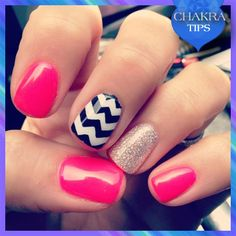 Since this weekend is a long one, we suggest getting yourself pampered with this unique chevron accent nail polish design. Isn't it funky?