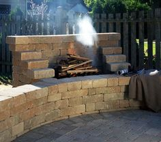 Google Image Result for http://www.hedbergaggregates.com/graphics/gallery/outdoor_fire/outdoor_fire09.jpg