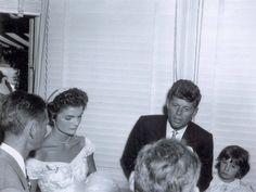 1953. 12 Septembre. Par Frank ATAMAN. Mariage de Jack Kennedy et Jackie Bouvier