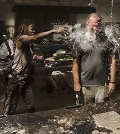 Danai Gurira, Greg Nicotero and Andrew Lincoln behind the scenes of The Walking Dead Season 7 Episode 12 | Say Yes