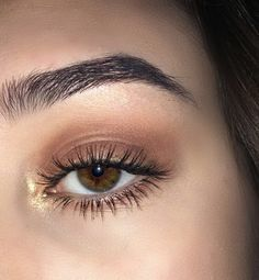 How to treat eyebrows and eyelashes at home- Wie behandelt man Augenbrauen und Wimpern zu Hause? How to treat eyebrows and eyelashes at home - Cute Makeup, Gorgeous Makeup, Pretty Makeup, Awesome Makeup, Flawless Makeup, Makeup Goals, Makeup Inspo, Makeup Inspiration, Makeup Ideas
