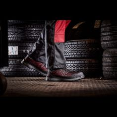 Παπούτσια Ασφαλείας – Ανδρικά - Γυναικεία, παπούτσια Ανατομικά, Αδιάβροχα, Αντιολισθητικά, Αντιστατικά, με ασφάλεια πέλματος και δακτύλων (S1P, S3, S3SRC) και ακόμα μεγαλύτερη ποικιλία σε παπούτσια αθλητικά με ασφάλεια, καθώς επίσης και παπούτσια ελαφριά εργασίας σε μοναδικές τιμές μόνο στην Pegasosafety Θεσσαλονίκη.  Τα Παπούτσια Εργασίας Liberty Dickies FC9531BL δίνουν απόλυτη προστασία τόσο στα δάχτυλα όσο και σε όλη την επιφάνεια κάτω από το πόδι. Liberty, Bags, Fashion, Handbags, Moda, Political Freedom, Fashion Styles, Freedom, Fashion Illustrations