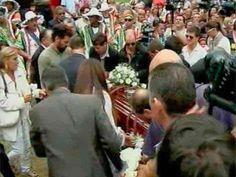 Notitur.: Carlos Páez Vilaró quedó atesorado para siempre en... http://destinosdeluruguay.blogspot.com/2014/02/carlos-paez-vilaro-quedo-atesorado-para.html