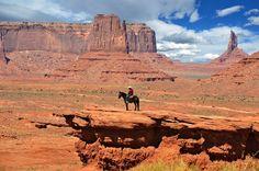 Monument Valley by Hana Kmonickova