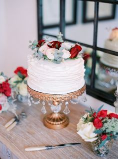 Cake by us (Synie's) Photography: Le Secret D'Audrey - lesecretdaudrey.com http://www.stylemepretty.com/destination weddings/2015/03/11/elegant-winter-paris-elopement/