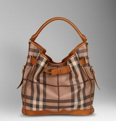 Burberry bag by info.tothzsuzsa