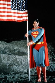 Christopher Reeve in 'Superman' First Superman, Superman Movies, Superman Family, Superman Man Of Steel, Dc Movies, Batman And Superman, Superman Logo, Superman Pictures, Steel Dc Comics