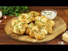 Perfekt vor dem eigentlichen Mahl: kleine Knoblauch-Parmesan-Knoten